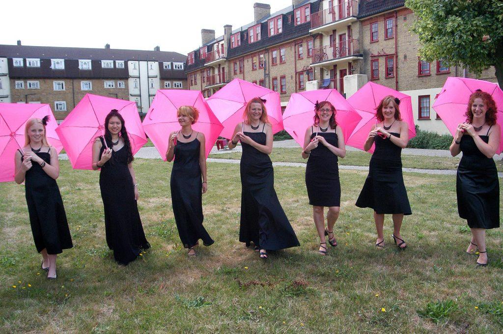 Bridesmiads-umbrellas
